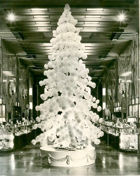 BW Puffball Tree 1940s